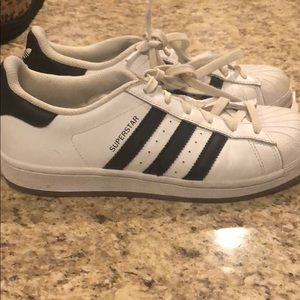Adidas superstars size 5